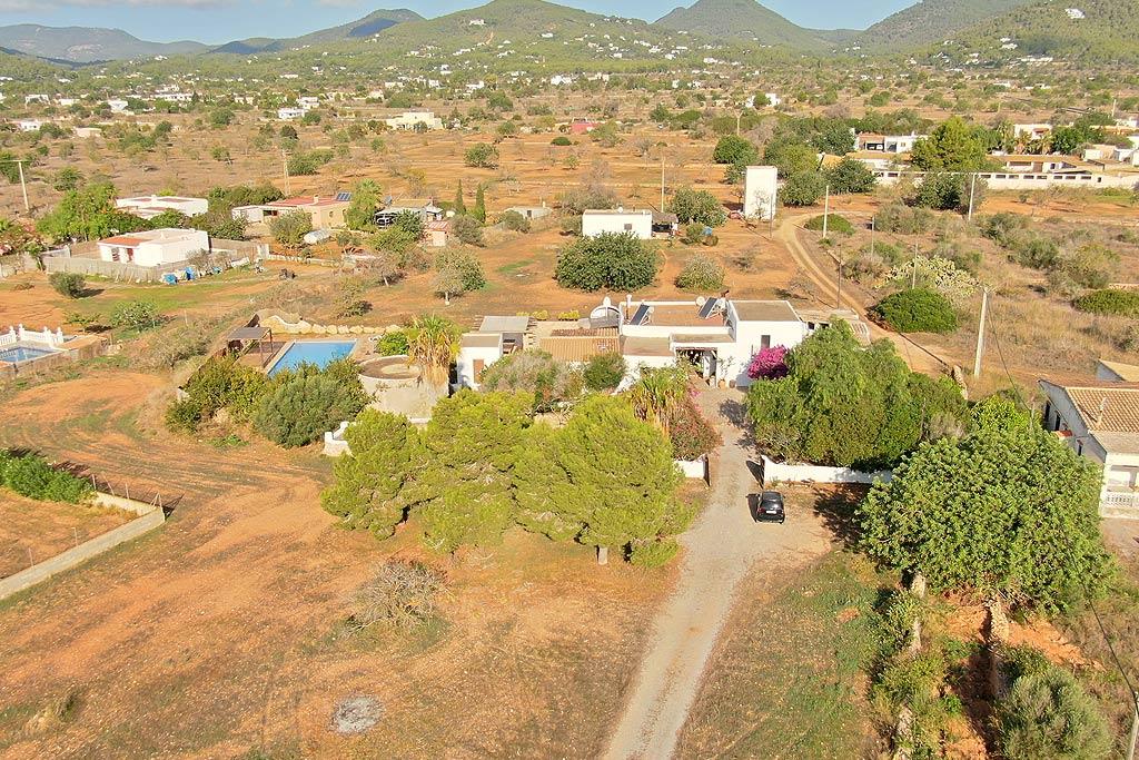 Alquiler de villas privadas de lujo en Ibiza. Servicios VIP en Ibiza. Consulting Services Ibiza