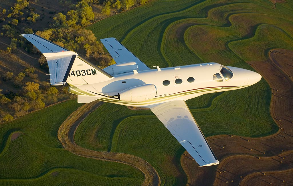 Reserve luxury private jets in Ibiza. Citation Mustang. Charter flights in Ibiza, Spain, Europe and Arab Emirates. VIP services in Ibiza. Consulting Services Ibiza