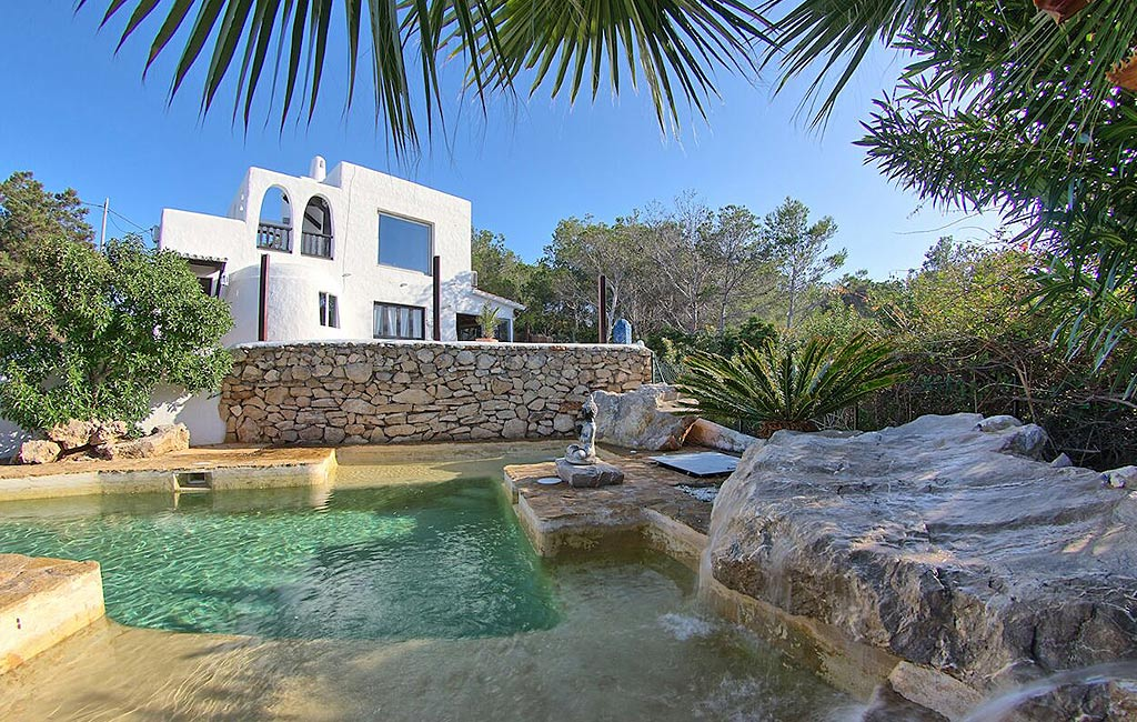 Rental of private luxury villas in Ibiza. Can Margalida. VIP services in Ibiza. Consulting Services Ibiza