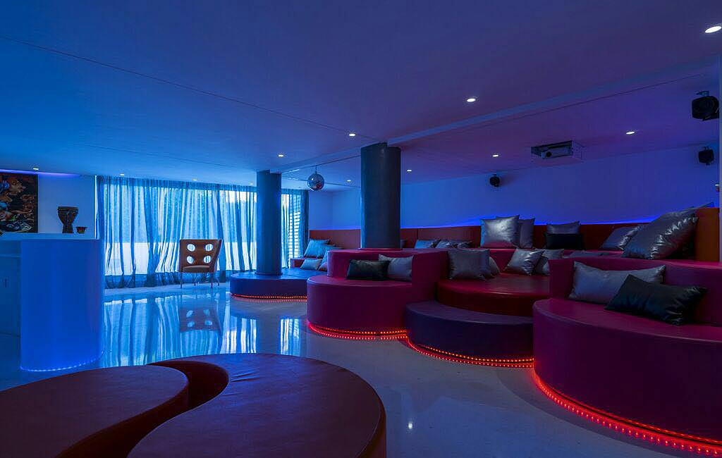 Alquiler de villas privadas de lujo en Ibiza. Villa Can Rimbau. Servicios VIP en Ibiza. Consulting Services Ibiza-6