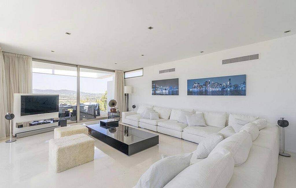 Alquiler de villas privadas de lujo en Ibiza. Villa Can Rimbau. Servicios VIP en Ibiza. Consulting Services Ibiza-7