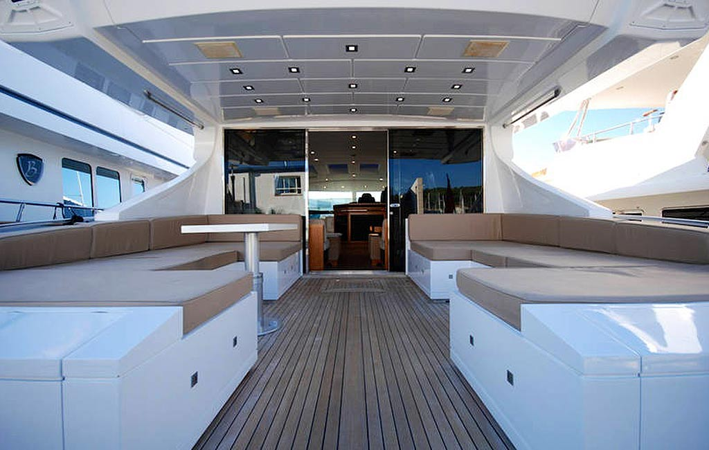 rental of luxury yachts and sailing yachts in Ibiza. VIP services Ibiza. consulting services ibiza-4