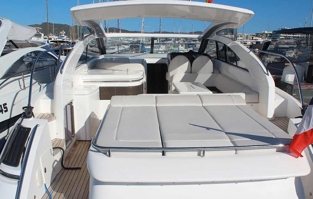rental of luxury yachts and sailing yachts in Ibiza. VIP services Ibiza. consulting services ibiza-2
