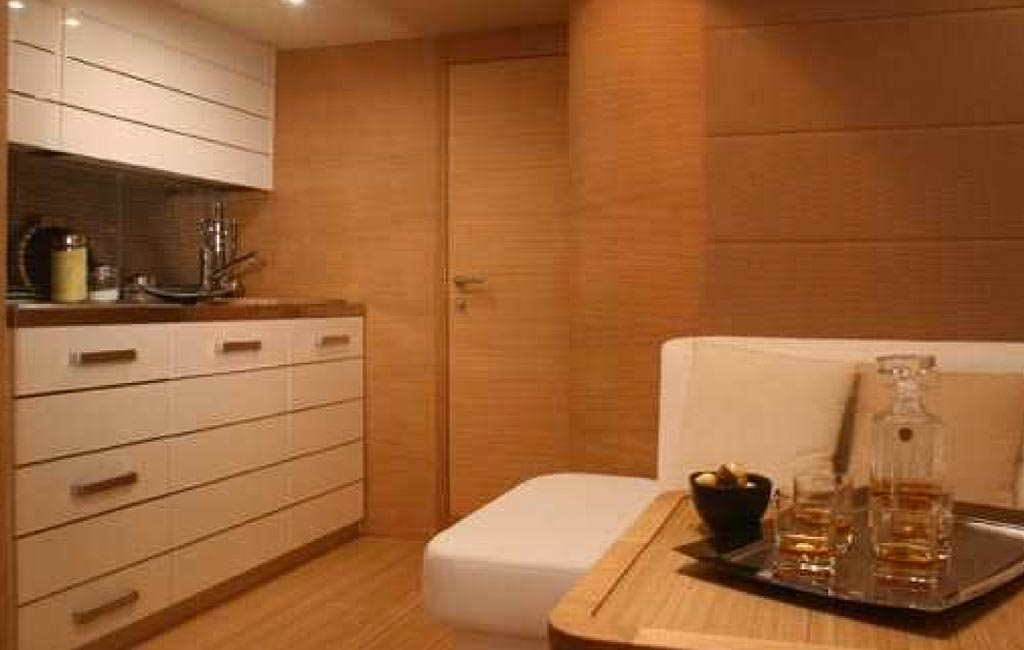 rental of luxury yachts and sailing yachts in Ibiza. VIP services Ibiza. consulting services ibiza-5