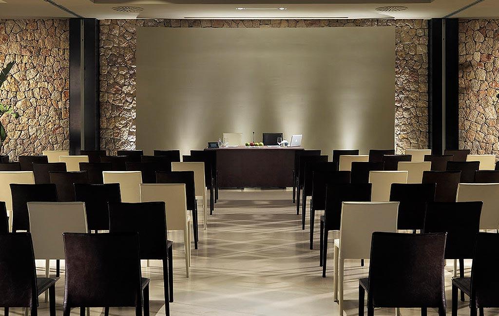 Organización de eventos corporativos de empresa en Ibiza. Servicios VIP. Consulting Services Ibiza
