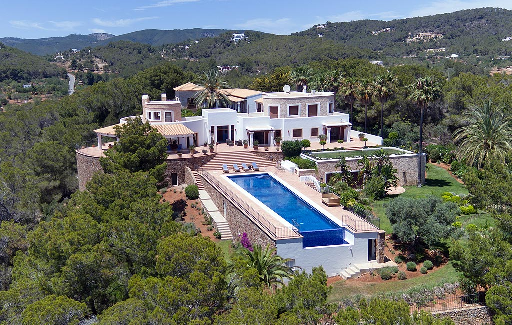 Sale of private luxury villas in Ibiza. Villa cala lenya VIP services in Ibiza. Consulting Services Ibiza-1