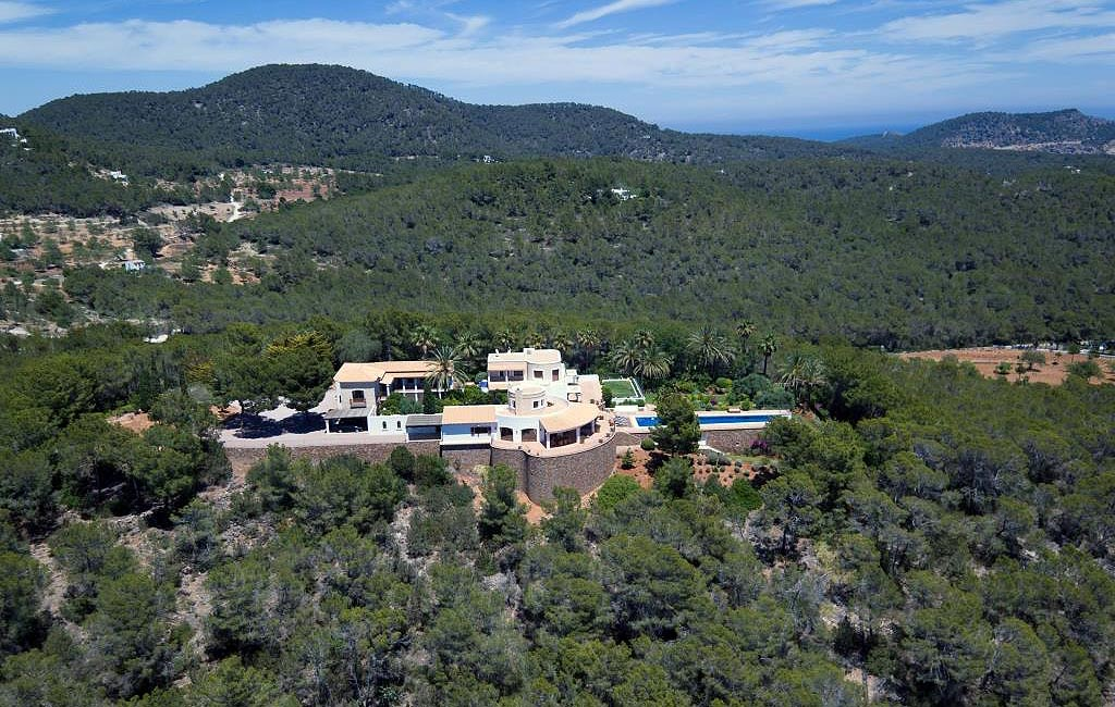 Sale of private luxury villas in Ibiza. Villa cala lenya VIP services in Ibiza. Consulting Services Ibiza-2