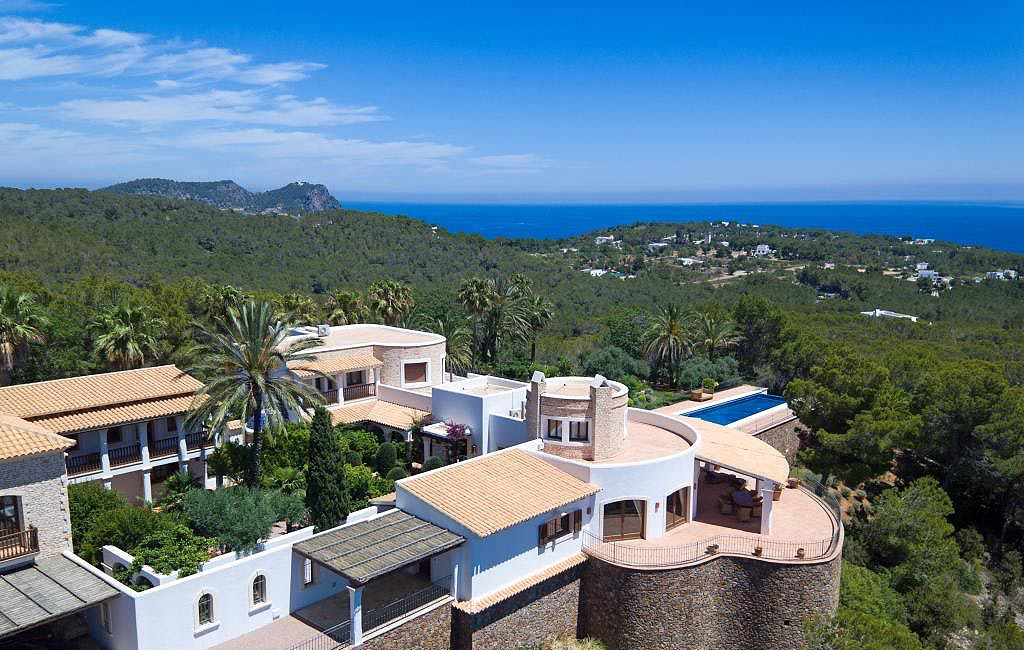 Sale of private luxury villas in Ibiza. Villa cala lenya VIP services in Ibiza. Consulting Services Ibiza-3