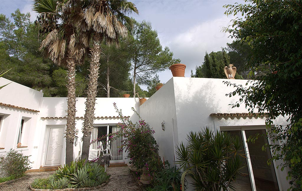 Sale of private luxury villas in Ibiza. Villa en clasica can furnet. VIP services in Ibiza. Consulting Services Ibiza-2