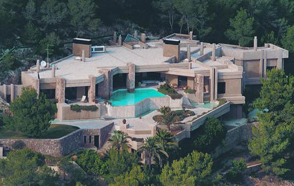 Rental of private luxury villas in Ibiza. Villa Isabelina. VIP services in Ibiza. Consulting Services Ibiza-14